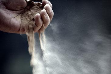 hand-dust